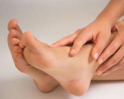 Лечение боли в пятке и причины ее появления